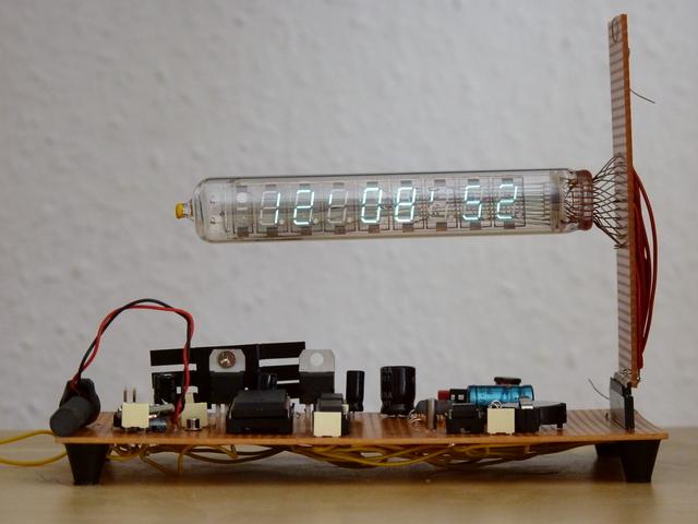 Schaltplan für IW-18 Uhr mit zwei UDN2981 - Mikrocontroller.net