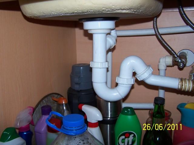 Abfluss Küche / Wasser staut sich