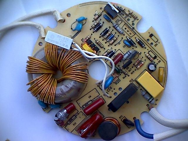 kondensatoren f r schaltnetzteil aet 6352ct1. Black Bedroom Furniture Sets. Home Design Ideas