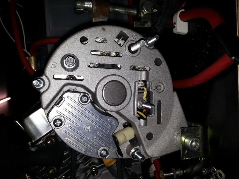 12V Lichtmaschine, 70A und keine D+/61 klemme. - Mikrocontroller.net