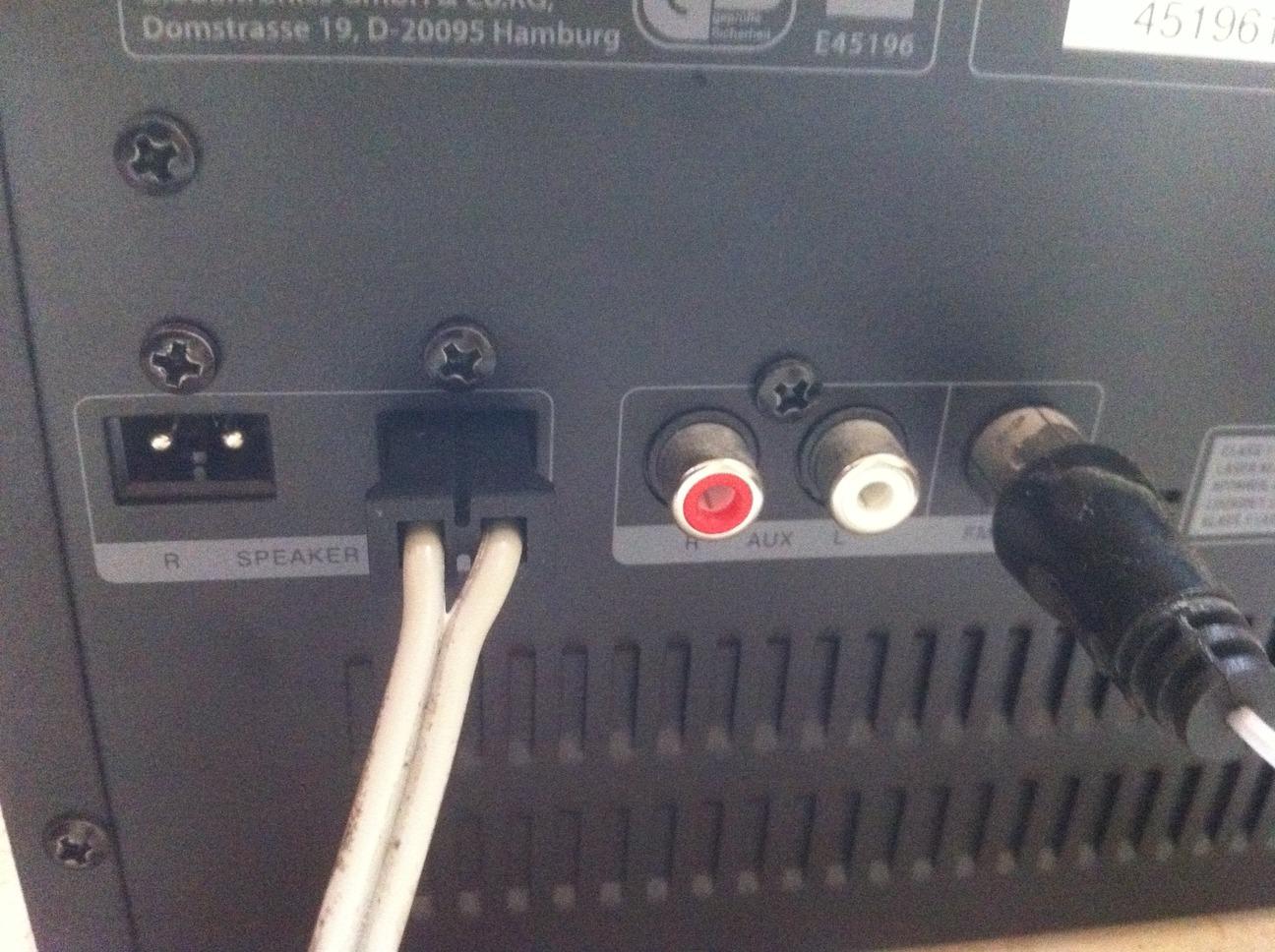 Was ist das für ein Lautsprecher Stecker - Mikrocontroller.net