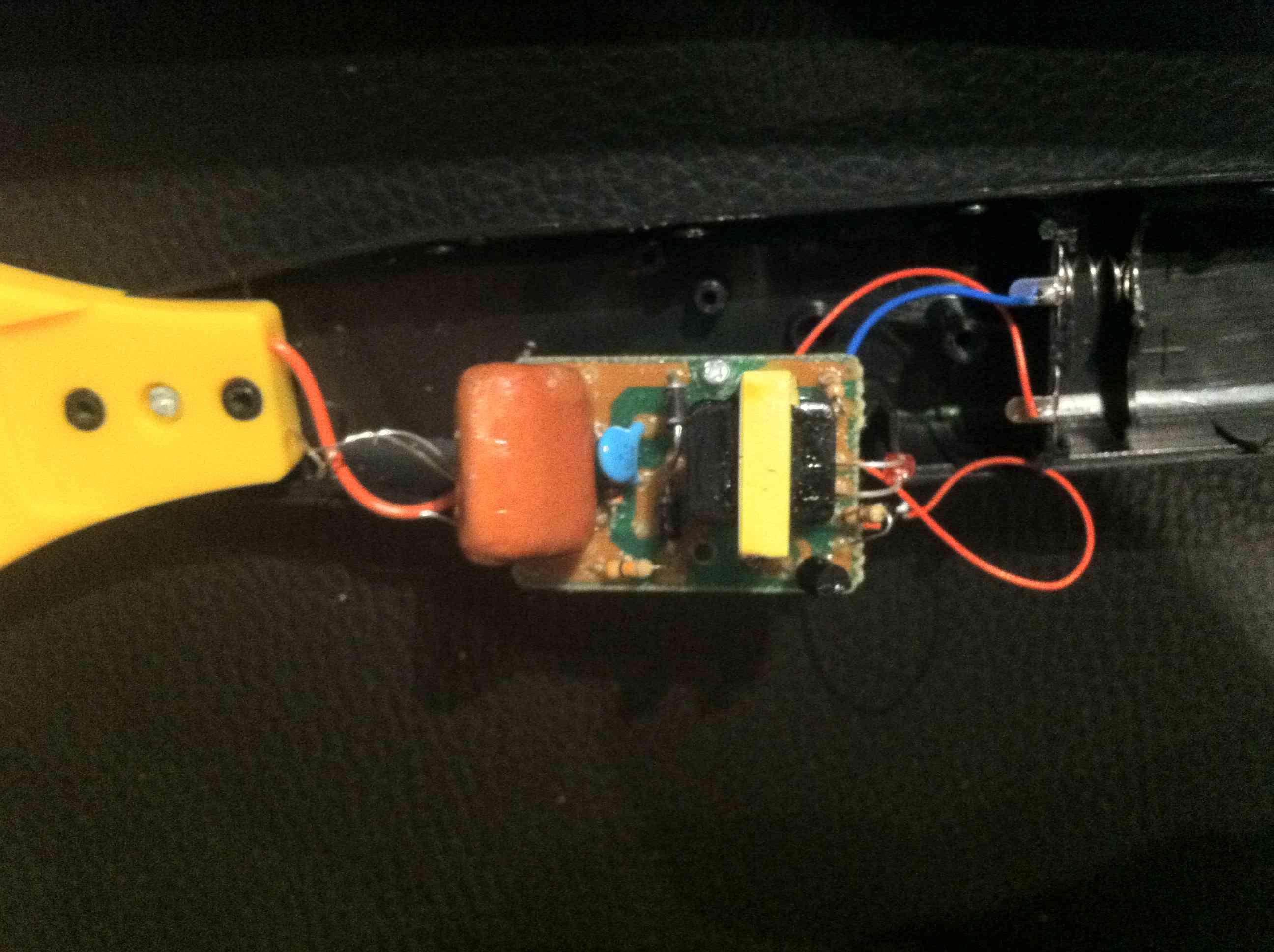 Schaltung elektrische Fliegenklatsche - Mikrocontroller.net