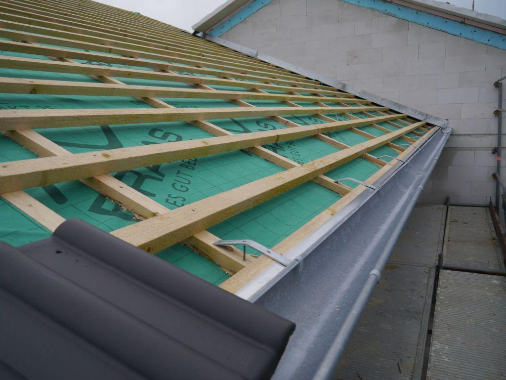 dachziegel ragen zu weit in die dachrinne? - mikrocontroller