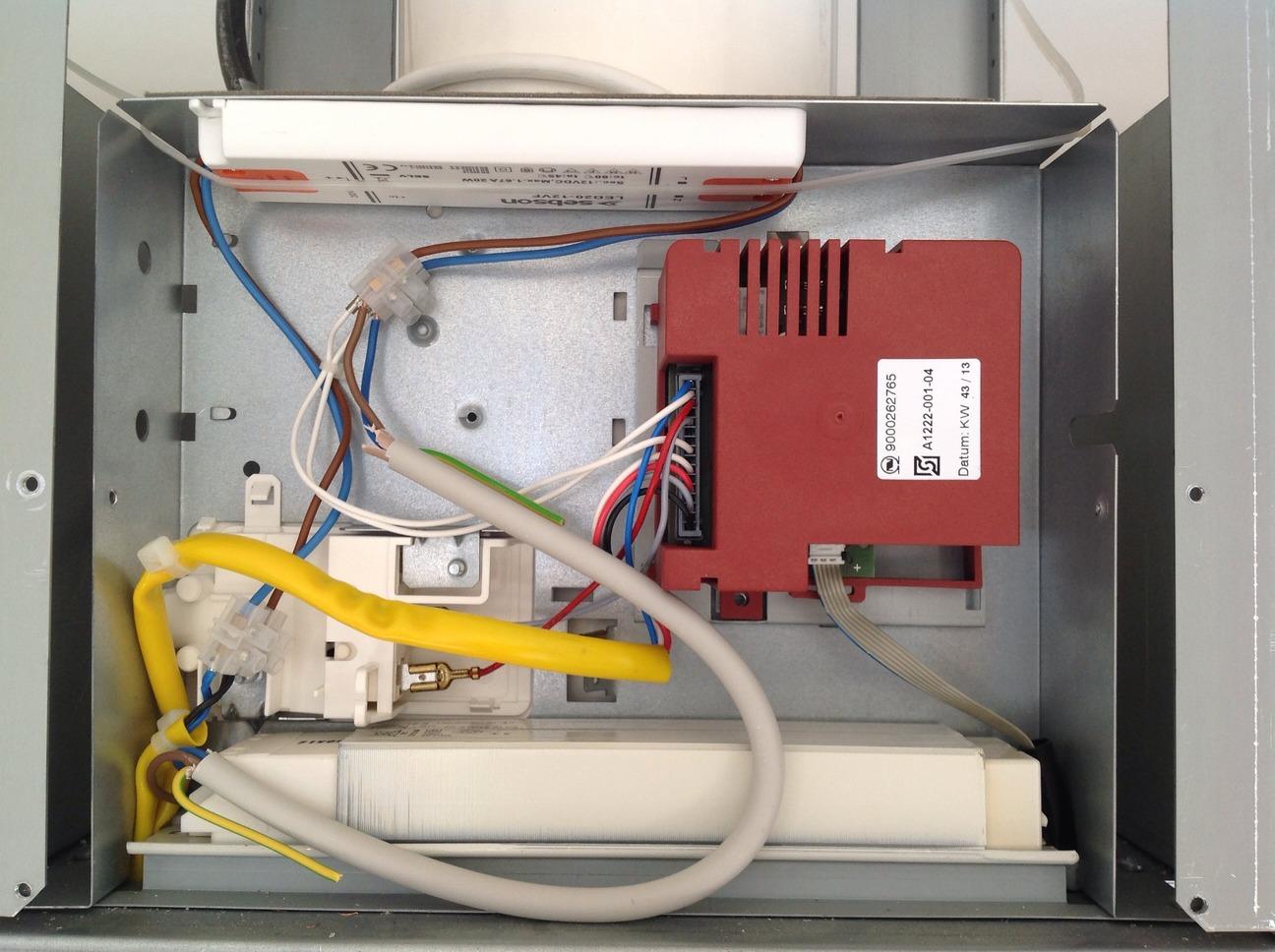 Dunstabzugshaube, Lichtschalter schaltet Gebläse aus / LED Treiber ...