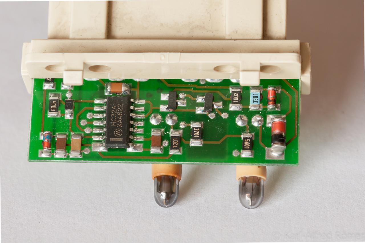ABS-Airbag-Anzeigelampen-Elektronik : Für was die ganze Elektronik ...