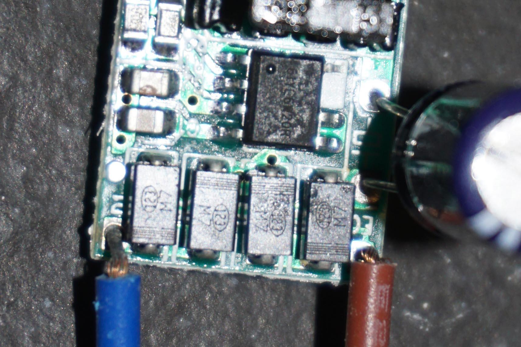 AC-Konstantstromquelle 600mA für Led wird heiß - Mikrocontroller.net