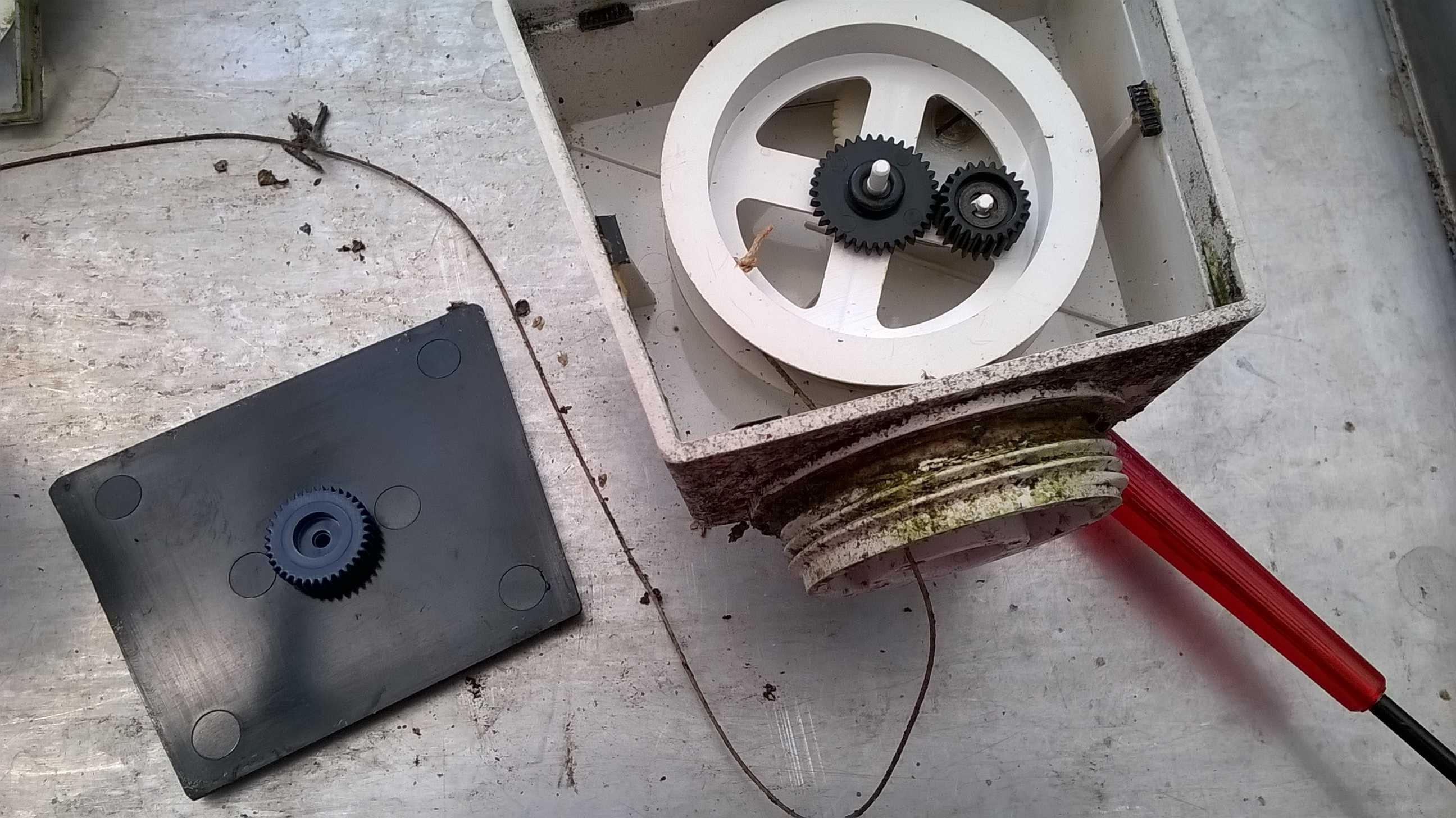 Laser Entfernungsmesser Wasseroberfläche : Wasserpegelanzeige mikrocontroller.net