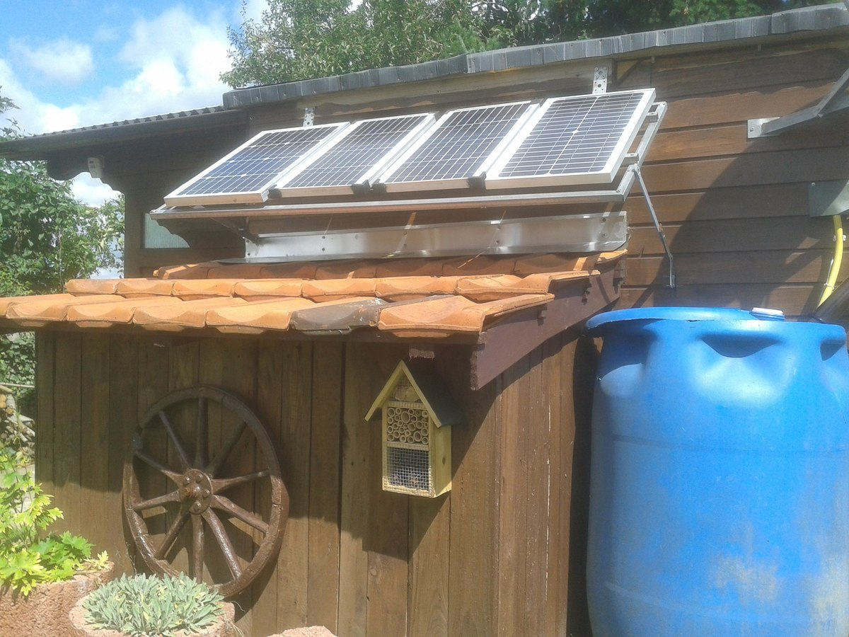 mit solarenergie fernsehen. Black Bedroom Furniture Sets. Home Design Ideas