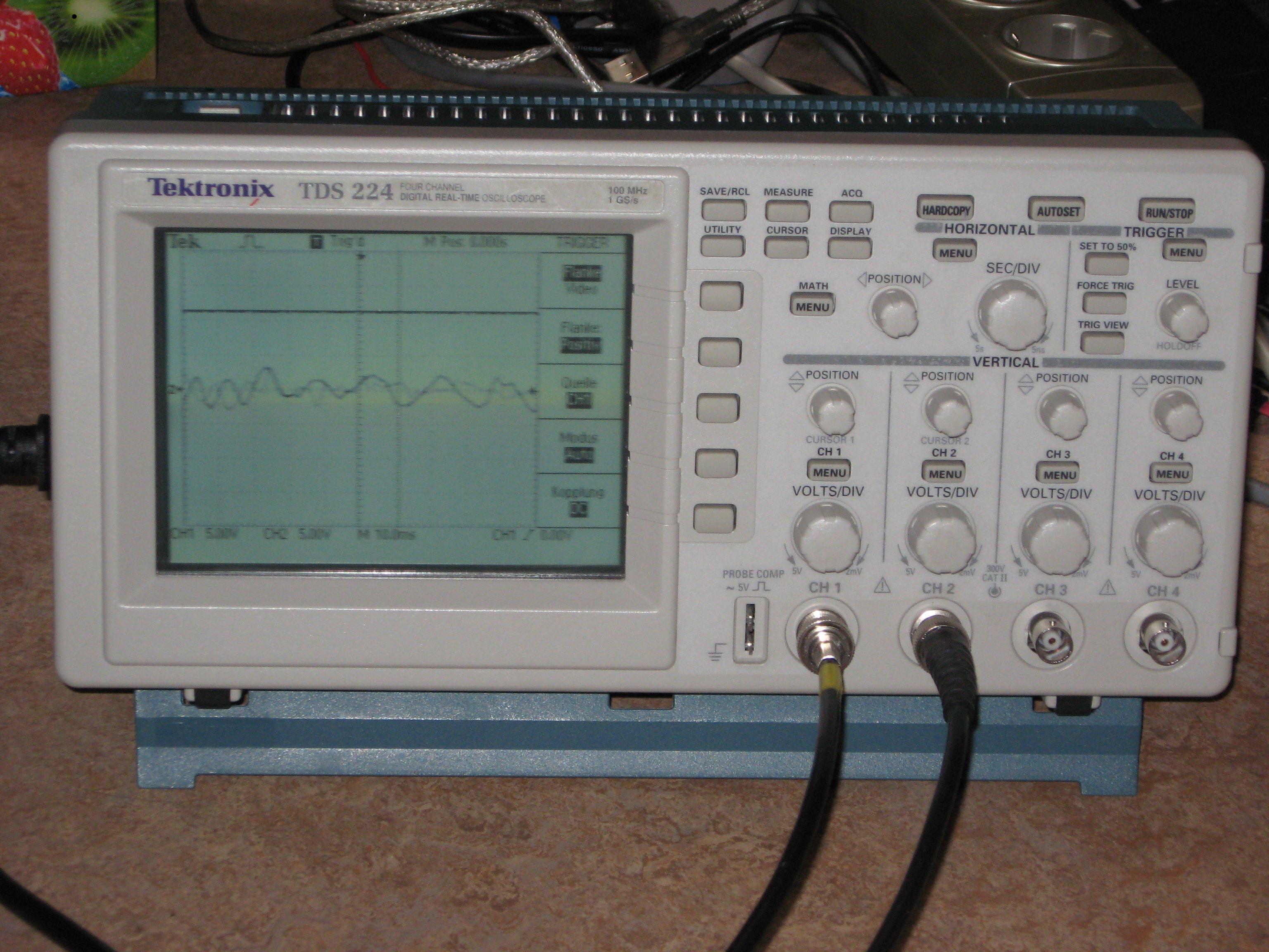 Tektronix 224 60mhz digital storage oscilloscope handheld.