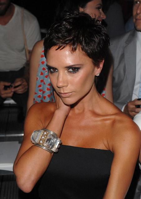 Victoria Beckham Frisur   Group Picture  Image By Tag