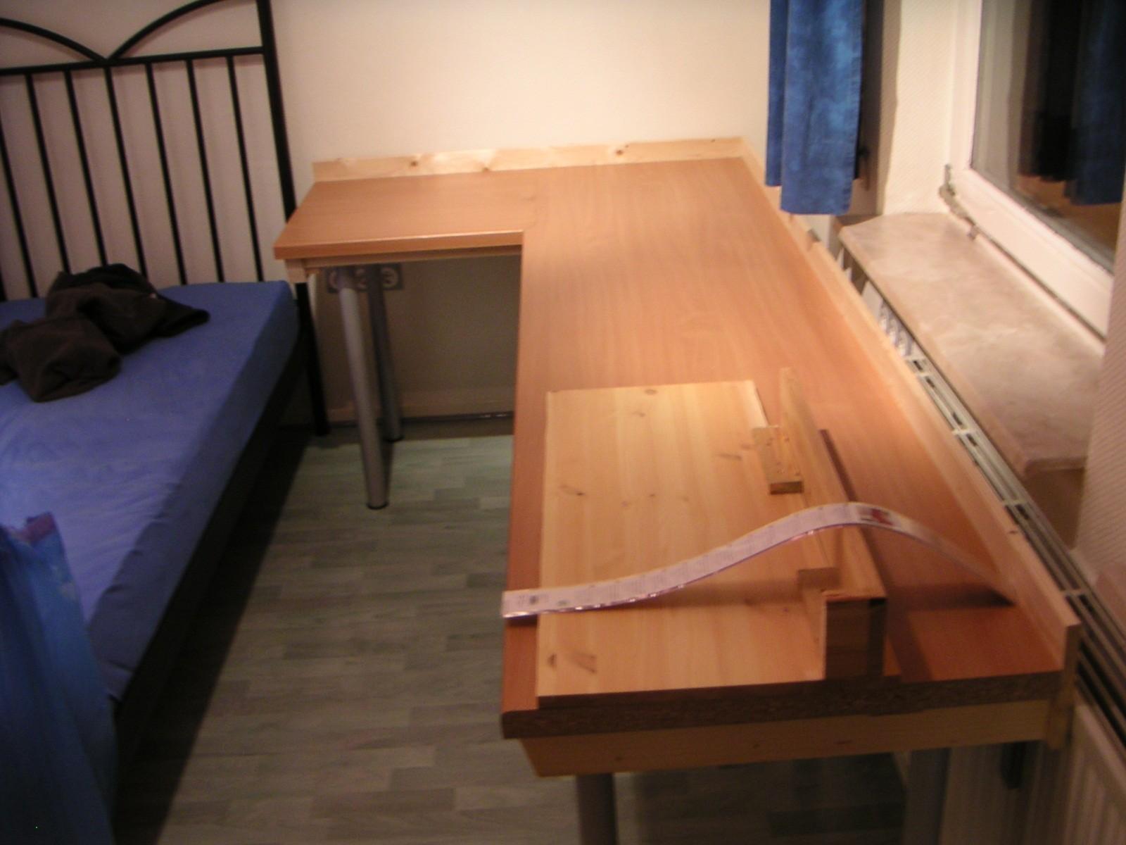 schreibtisch selbst bauen arbeitsplatte interior design und m bel ideen. Black Bedroom Furniture Sets. Home Design Ideas