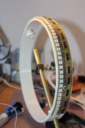 POV-Globe-pic-3D-Ring-bestueckt.jpg